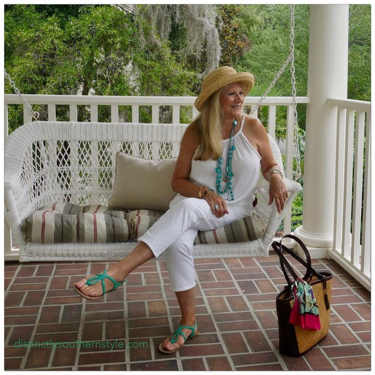 It's the first day of Summer...looking forward to the coming season.#ootd #beautifulday #wearwhatyoulove #over50styleblogger #over50style#distinctlysouthernstyle#firstdayofsummer#frontporch #frontporchview#turquoisejewelry #porchswing#frontporchsittin