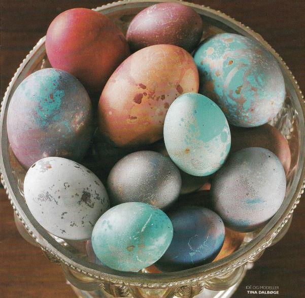 Påskeæg i lækre farver fra Tina Dalbøges blog med kreative påfund...