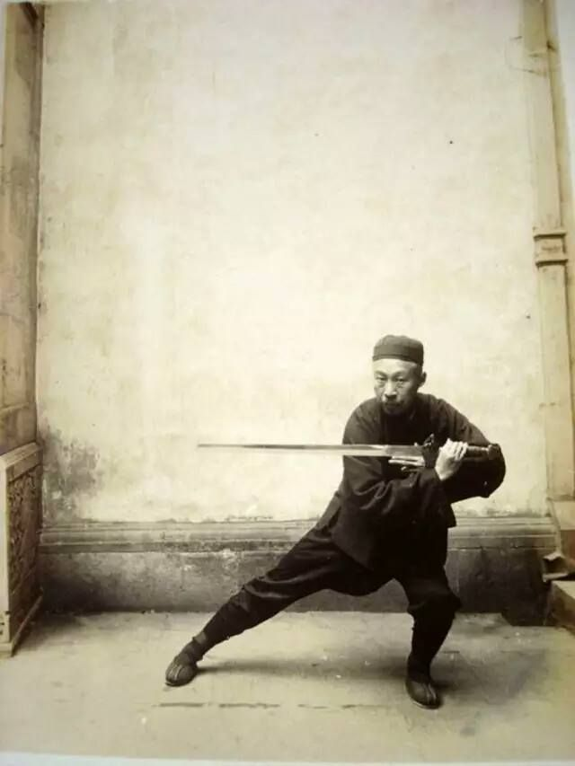 Chen Weiming performing sword