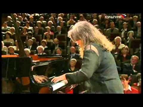 Великие пианисты ХХ века. Марта Аргерих - YouTube