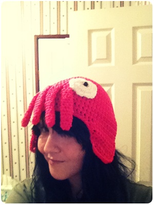 zombie: ❣ Hooray, someone is paying attention to me.  Yay, my Zoidberg hat is finished.