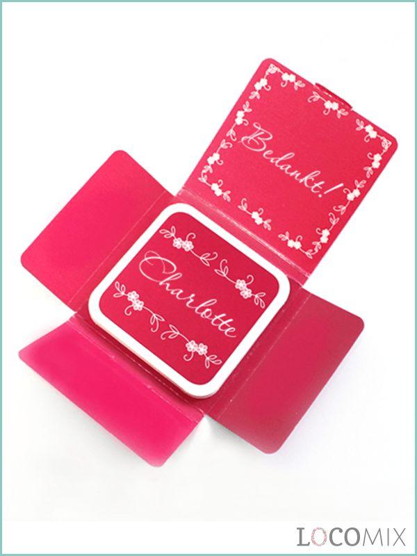 Geef niet één, niet twee, maar vier chocolaatjes weg op jouw Communiefeest! Het leuke is dat alle chocolaatjes te personaliseren zijn met teksten, je naam, en foto's. Zo gaan je gasten naar huis met een smakelijk én uniek Communie bedankje. Bestel ze al vanaf 20 stuks op onze site.