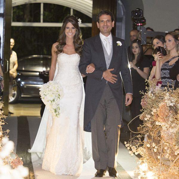 Vestido de noiva clássico - tomara que caia sereia ( Foto: Cissa Sannomiya | Vestido: Alba Eloisa )