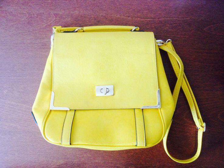 Ho appena postato questo articolo su come usare le borse gialle sul mio blog, seguitemi! www.hnstyle.wordpress.com