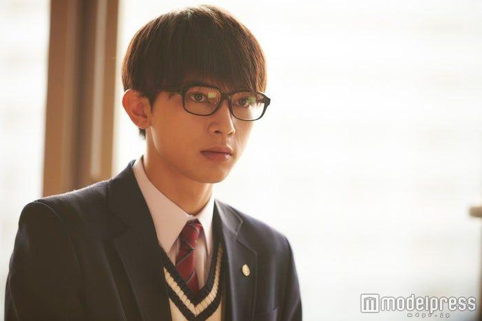 """(画像2/8) """"メガネをかけた吉沢亮""""が見られるドラマ・映画7作 「一度死んでみた」ビジュアルが話題"""