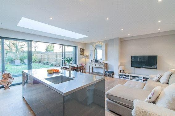 4 bed semi-detached house for sale in Tilehurst Road, London