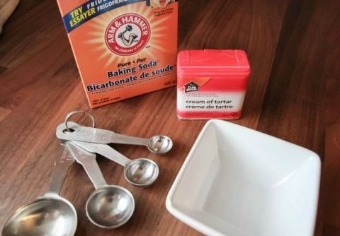 How to make your own baking powder for when you run out!