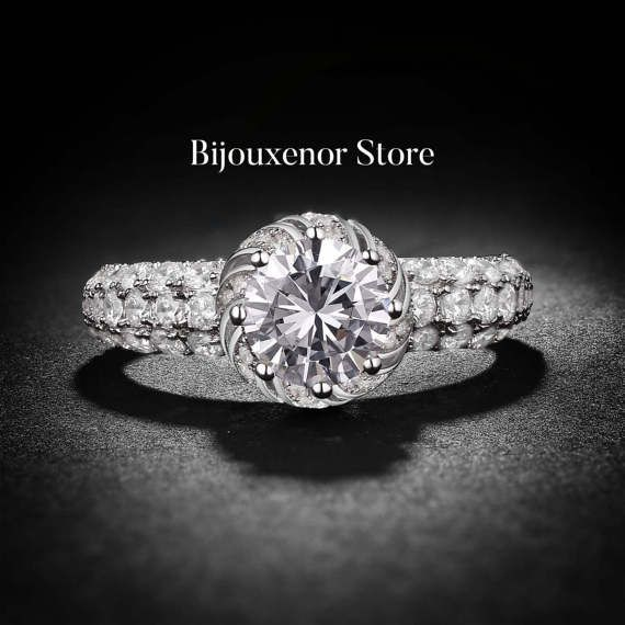 Ring engagement emerald cut solitaire diamond by BijouxenorStore