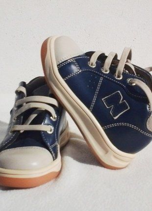 À vendre sur #vintedfrance ! http://www.vinted.fr/mode-enfants/chaussures-baskets/38397222-chaussures-en-cuir-de-noel-pour-garcon-bleu-25