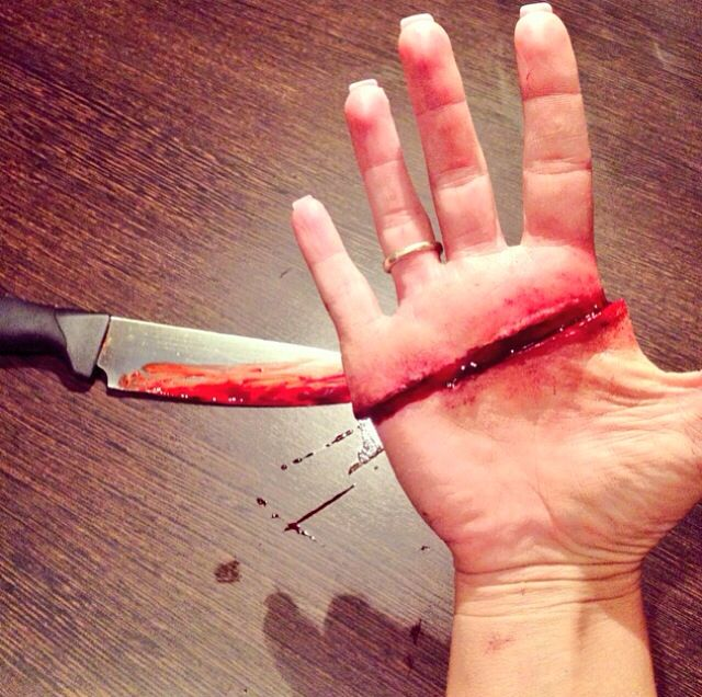 Sliced Hand: Realistic SFX make up practice! | Cool makeup ...