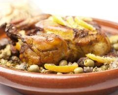 Tajine de poulet aux citrons confits et olives : http://www.cuisineaz.com/recettes/tajine-de-poulet-aux-citrons-confits-et-olives-17281.aspx