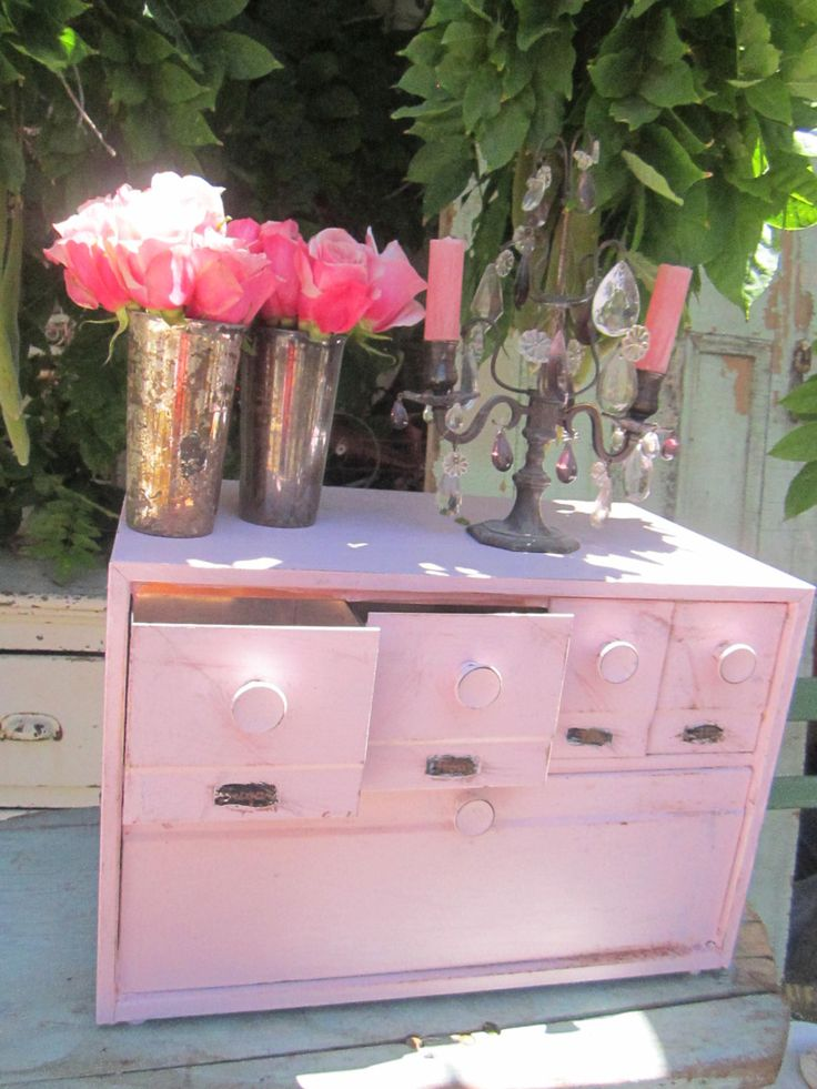 17 images about pink bread box on pinterest shabby chic cottage wooden bread box and metals. Black Bedroom Furniture Sets. Home Design Ideas