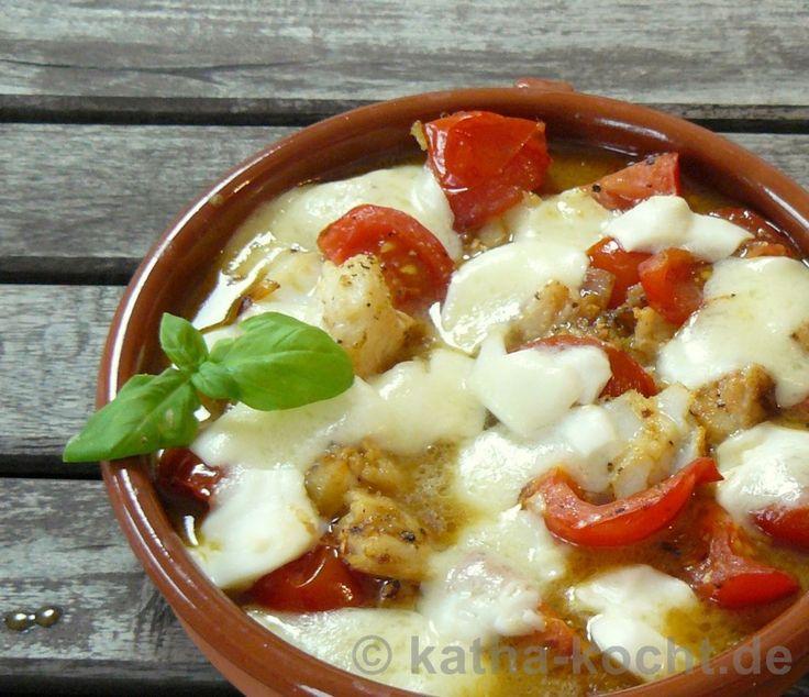 Tapas - Kabeljau mit Tomate und Büffelmozzarella - Katha-kocht!