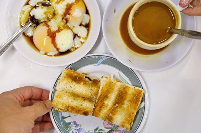 20 Best Singapore Local Cafes – For Our Favourite Kopi & Toast