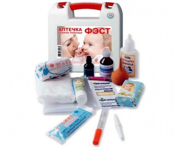 Если собрались в дальнюю дорогу с ребенком, не забудьте взять с собой детскую аптечку.