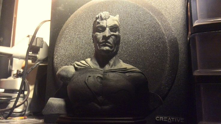 Batman vs. Superman sculpt bust