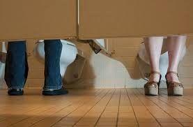 ΗΠΑ: Στο Χιούστον ο καθένας θα χρησιμοποιεί όποια τουαλέτα θέλει χάριν «ισότητας»