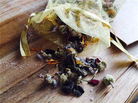 Tub Tea Bath Soak Salts with Lavender & Chamomile. All beautiful ingredients in handmade blend.