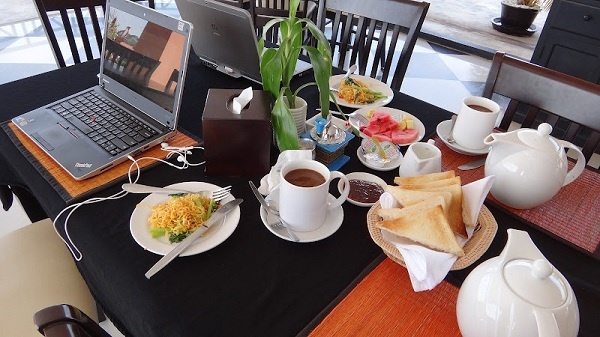 Claremont Angkor Boutique Hotel - Breakfast On The Sixth Floor