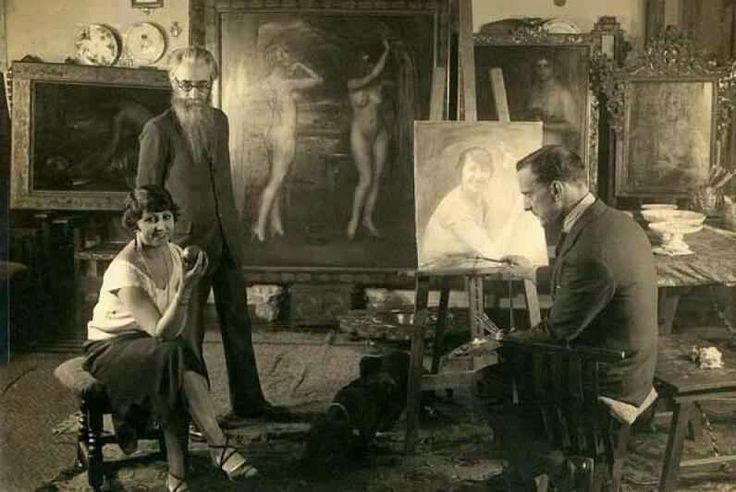 El escritor Valle-Inclàn en el estudio de Julio Romero de Torres.