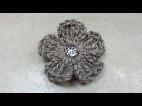 #Crochet Easy 5 Petal Flower #TUTORIAL - YouTube This pattern is SO easy. It only takes minutes to whip one up!