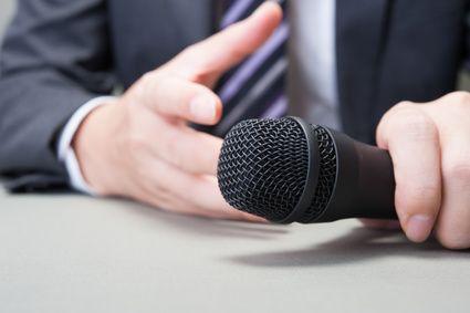 """Ile z tych rzeczy zrobiłeś w tym tygodniu? 1. Obejrzałem program telewizyjny, w którym chciałbym wystąpić jako gość. 2. Napisałem informację prasową lub propozycję tematu. 3. Wysłałem informację prasową lub propozycję tematu. Bardzo możliwe, że wszystkie trzy. Ale ile razy rozmawiałeś z dziennikarzami w tym tygodniu? Myślę o """"prawdziwych rozmowach"""", w których widzisz twarz, słyszysz głos i obserwujesz mowę ciała. Raz? Ani razu?"""