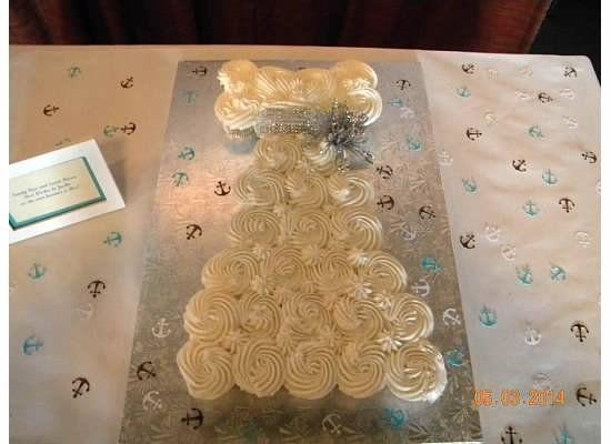 wedding dress cup cakes