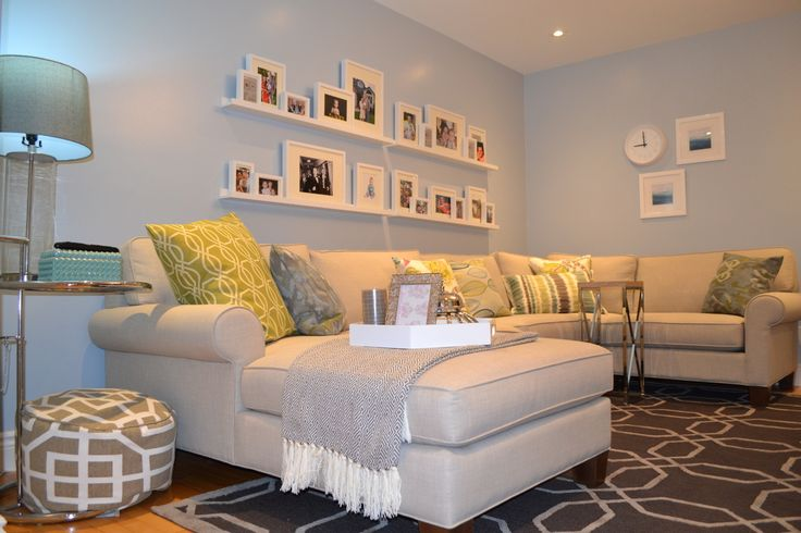 Interior designer creates a fresh family room in Windsor