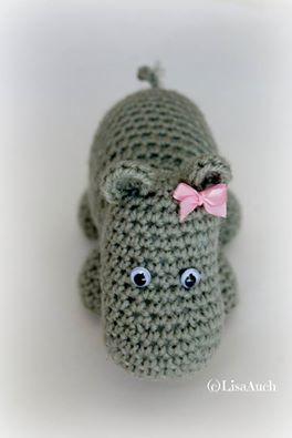 Hettie A free crochet hippo pattern
