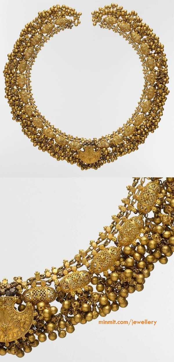 Necklace with filigree and beads