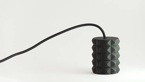 Одиночный подвесной светильник обеспечивает направленное освещение, подходит для подсветки обеденного стола и барной стойки.  Характеристики: Материал плафона - высокопрочн... #lighting #homedecor #pendantlight #lamp #modernlamp #handemade #blacklamp #parametric