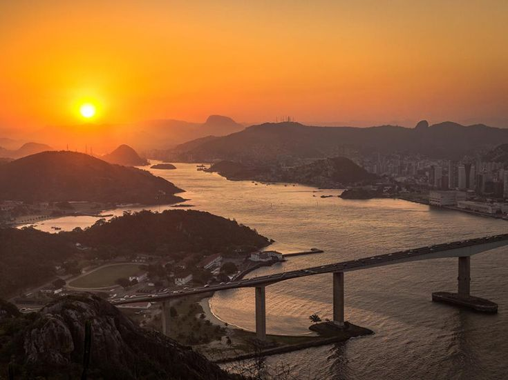 Picture of the sunset above the bay in Vila Velha, Espirito Santo, Brazil