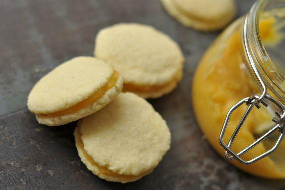 Ilyen az, amikor összeáll minden. Magában is jó lenne a keksz, de így?! Hát isteni. És nagyjából egy keksz-szendó elég is a boldogsághoz....