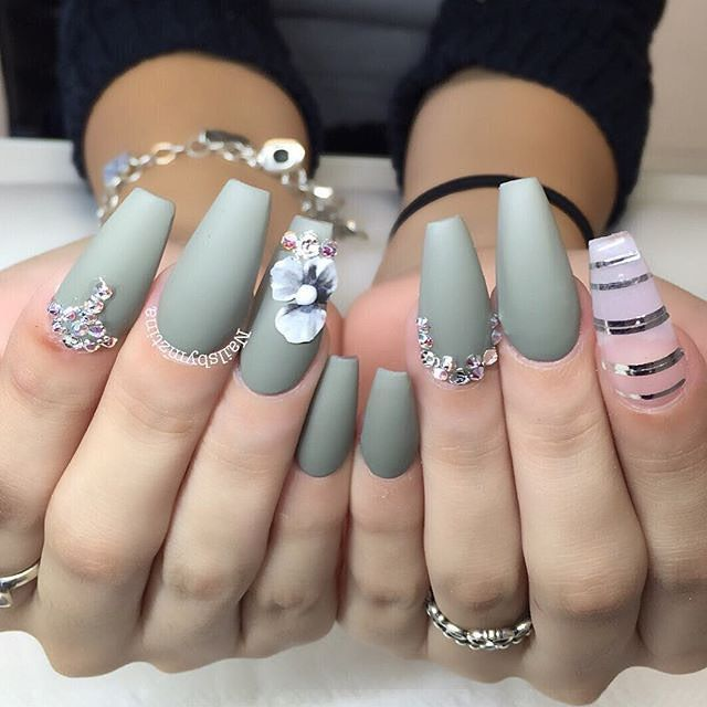 These  ✨@nailsbymztina✨