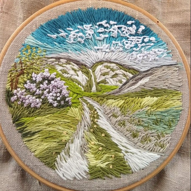 Belogorye hills in spring  #embroidery #embroideryart #handembroidery #вышивка #stitching #needleart #needlework #needlepainting #contemporaryembroidery #spring #landscape #ручнаявышивка #весна #вышивкагладью #сирень #пейзаж