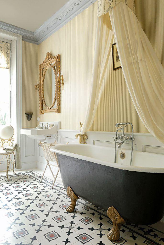 Aus dem buch vintage flair das geheimnis schöner häuser die badewanne aus dem