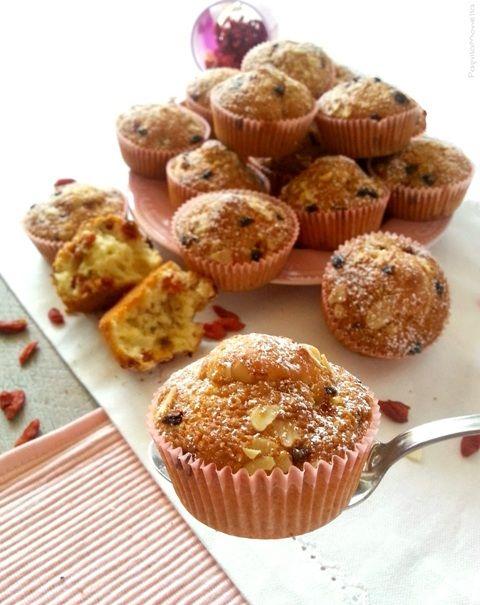 Muffin con Goji e farina di mandorle. Golosi, sani e #senzaburro