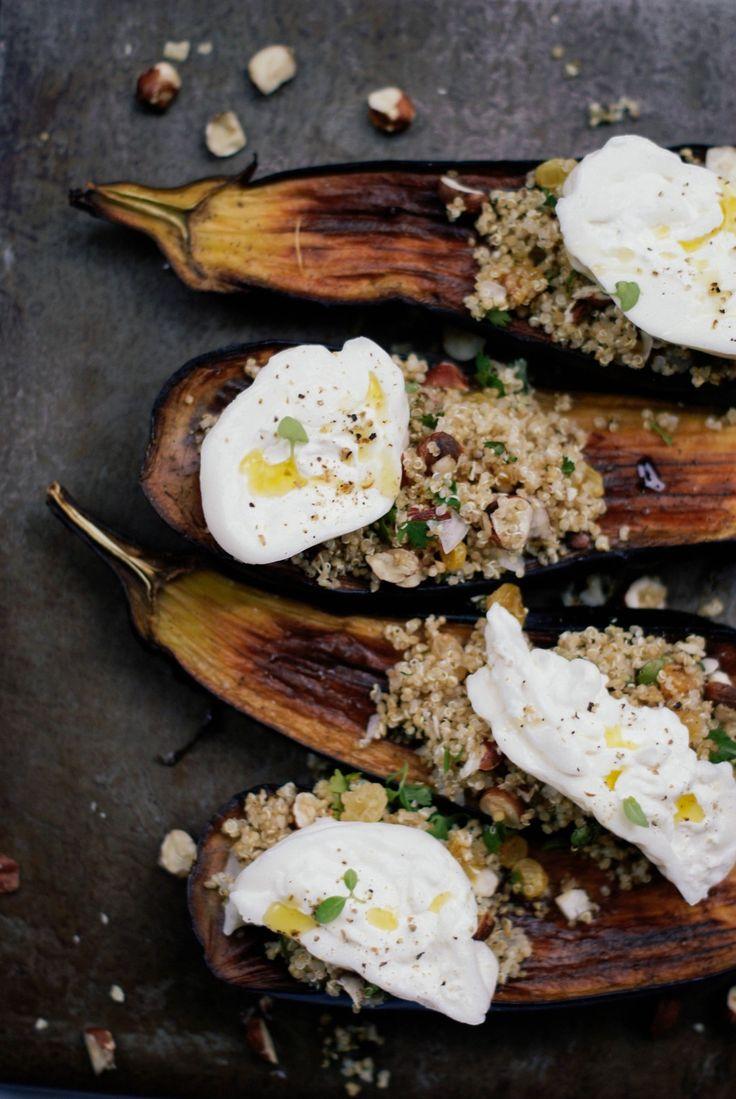 Aubergines grillées, salade de quinoa aux fruits secs & burrata