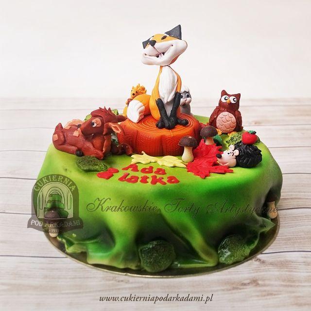 210BD Leśny tort z figurkami liska, wiewiórki, sarenki, jeża i sowy. Fox and forest animals cake.