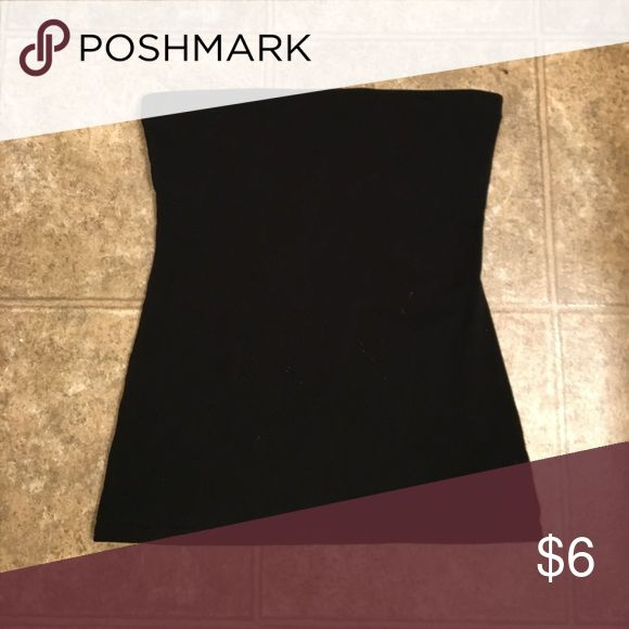 Black Tube Top Simple black tube top. Can be dressed up or down! Tops