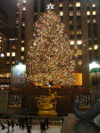 ロックフェラーセンター 「死ぬまでに見たい世界のクリスマスツリー10」 トリップアドバイザー