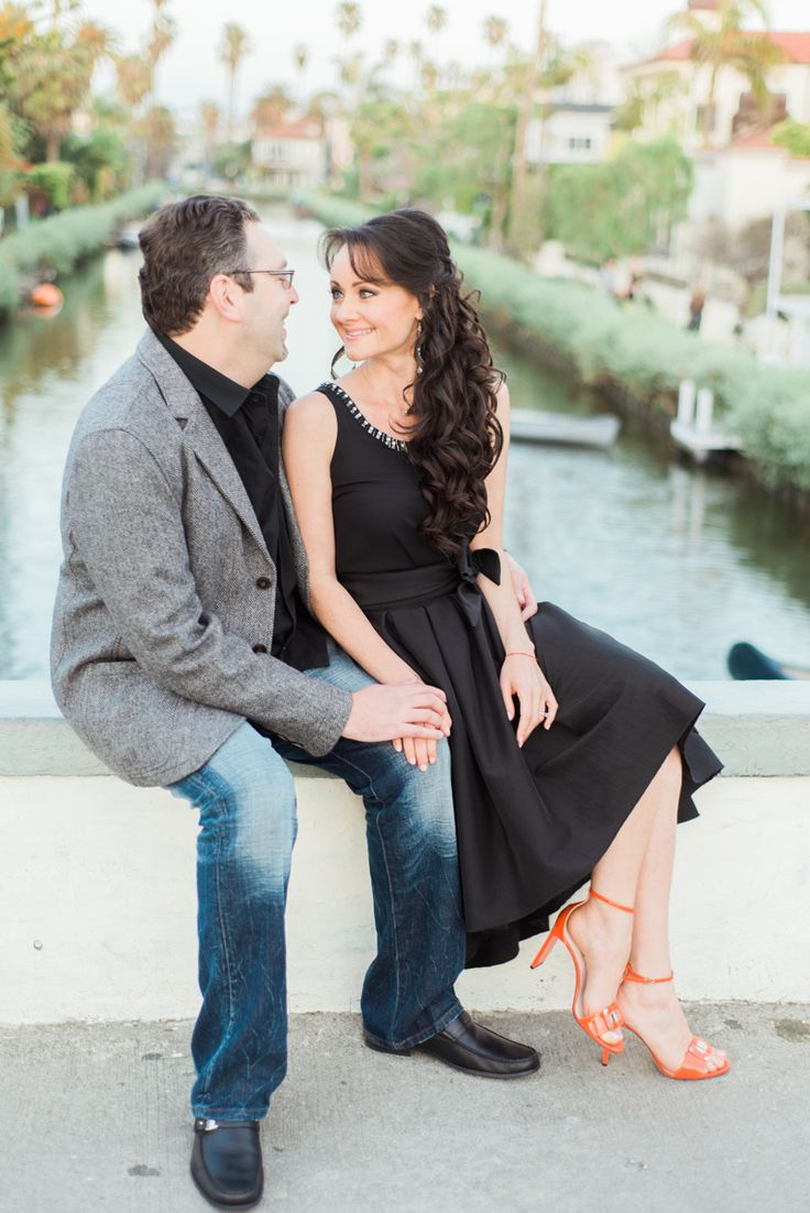 Black dress engagement photos - The Little Black Dress Also Works For Engagement Sessions A More Formal Type Of Wear