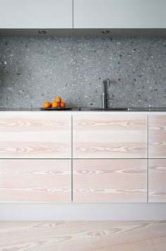 #kitchen #simple #minimal #wood #graphite #stone