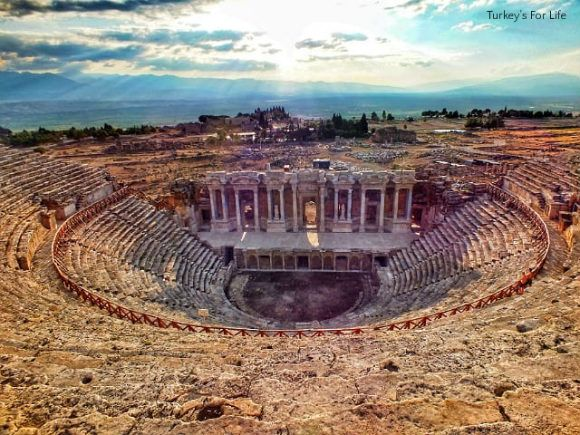 Many websites say three hours is enough to explore the ancient Phrygian site of Hierapolis. However, if you're an archaeology or history fan and want to experience the travertines and the #Hierapolis thermal antique pools, too, we'd recommend setting a whole day aside...
