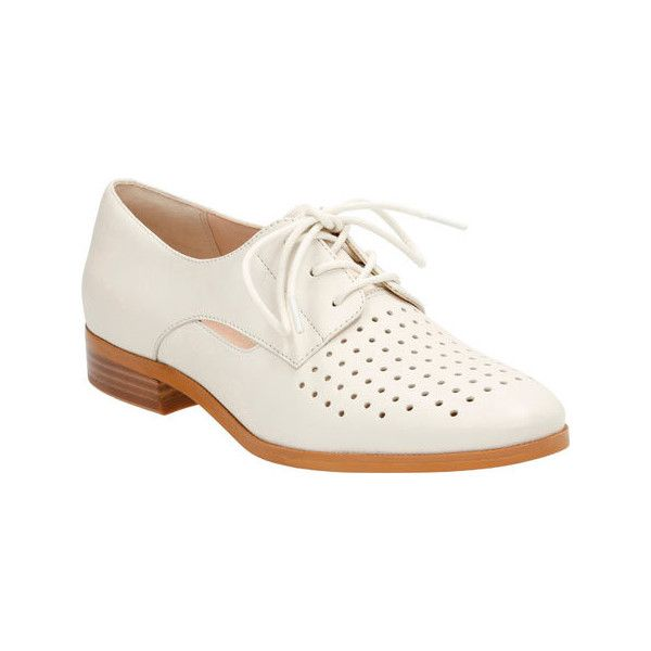 Women's Clarks Hotel Molly Oxford - Off White Leather Casual ($130) ❤ liked on Polyvore featuring shoes, oxfords, casual, casual shoes, white, white oxford, oxford shoes, white lace up shoes, lace up oxfords and clarks oxford