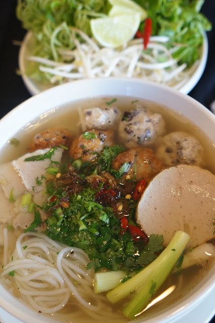 Gourmet by Kat: Bun Moc (Vermicelli noodle soup with mushroom meatballs)