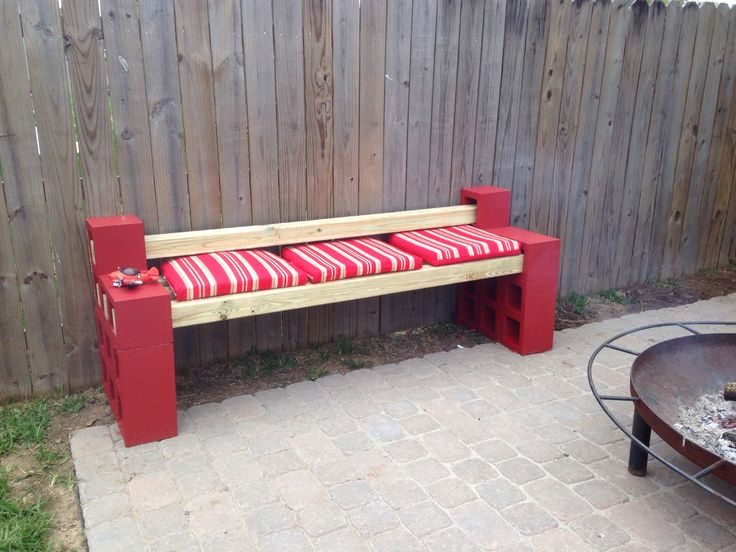 Cinder block bench 4x4 39 s lawn seating pinterest for Cinder block seating area