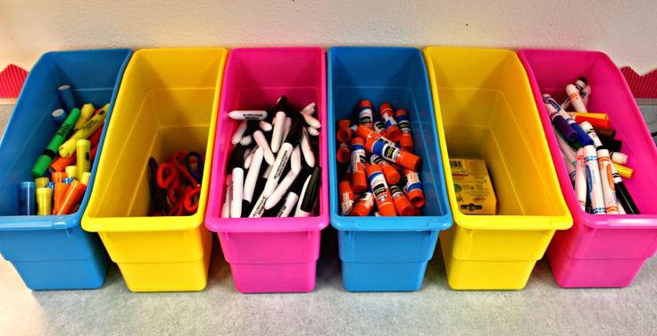 Tunstall's Teaching Tidbits: Classroom Tour 2014-2015 I like how she used the magazine holders.