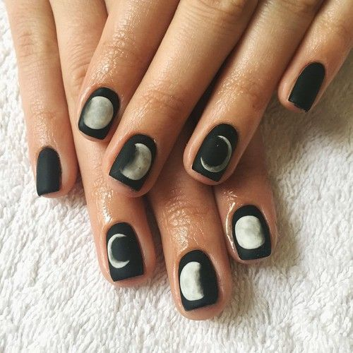 * phases of the moon* nail art <3