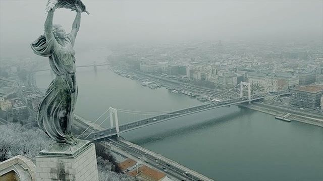 Amazing drone video about Budapest! www.NewYearsEveHungary.com #welovebudapest #budapesthungary #citadella #gellerthill #winter #december  Video credit:  @Beautifuldroneworld